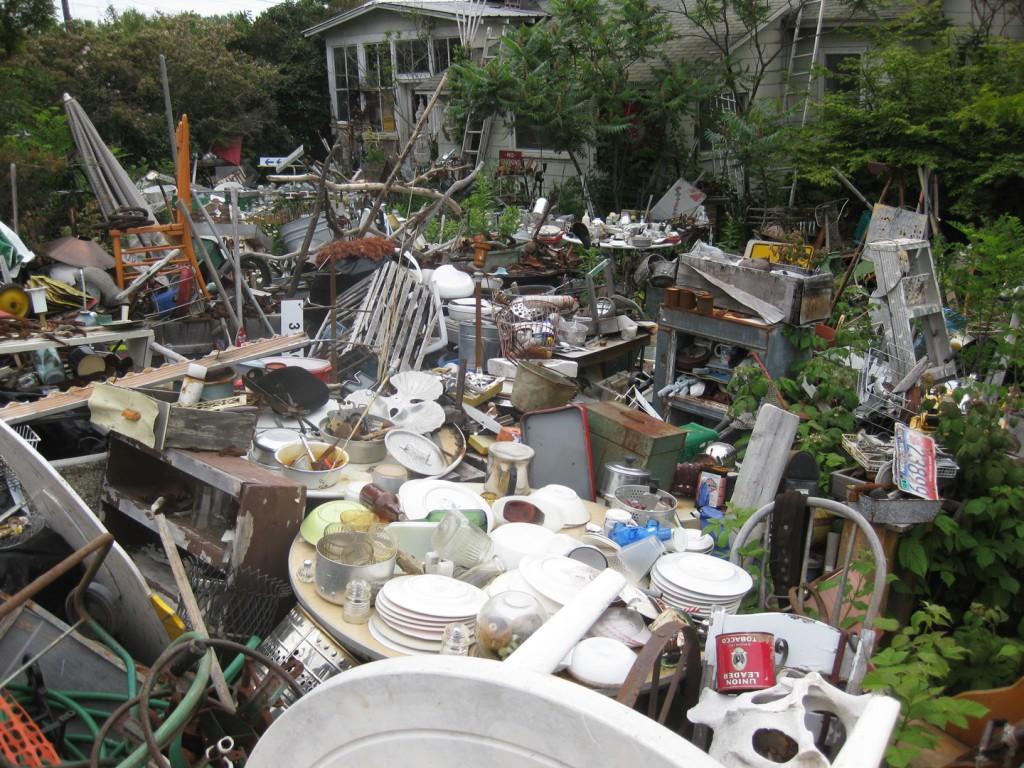 garbage-house