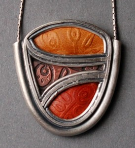 molly-bitters-pendant2