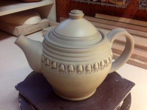 teapot in studio-180